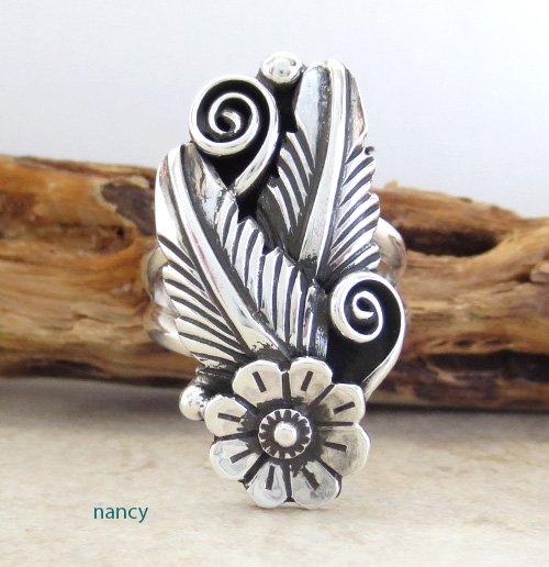 Sterling Silver Flower Ring size 9 Navajo Made - 1763rio