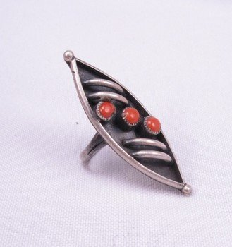 Image 1 of Vintage Native American Coral Silver Ring sz5-1/2