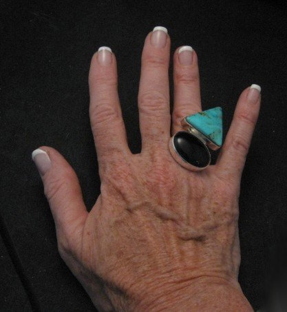 Image 2 of Fabulous Navajo Everett & Mary Teller Turquoise & Onyx Ring sz7-1/2