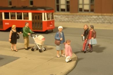 Bachmann Scene Scapes City Strolling People HO Scale Figures (6) 33109