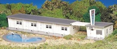 Bachmann Motel w/ Pool HO Scale Kit #45214