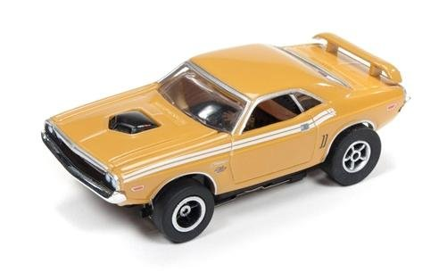 Auto World X-Traction 1971 Dodge Challenger HO Slot Car - Tan