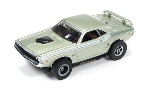 Auto World X-Traction 1971 Dodge Challenger HO Slot Car
