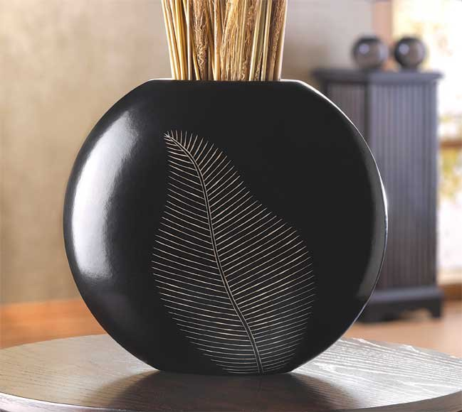 Circular Wooden Black Artisan Leaf Design Vase