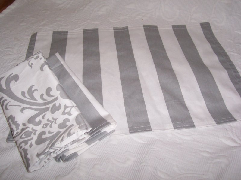 Image 0 of Gray & White Canopy Stripe Placemats & Napkins