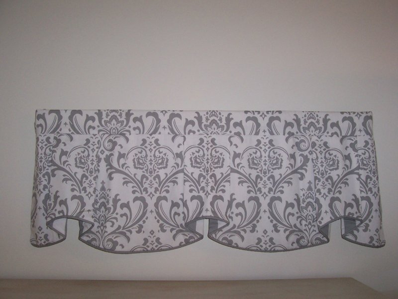 Image 0 of Traditions Damask & Stripe Cafe Valance