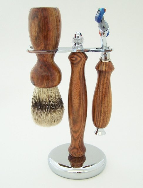 Image 0 of Chechen Wood 24mm Silvertip Badger Brush and Fusion Razor Gift Set (Handmade)