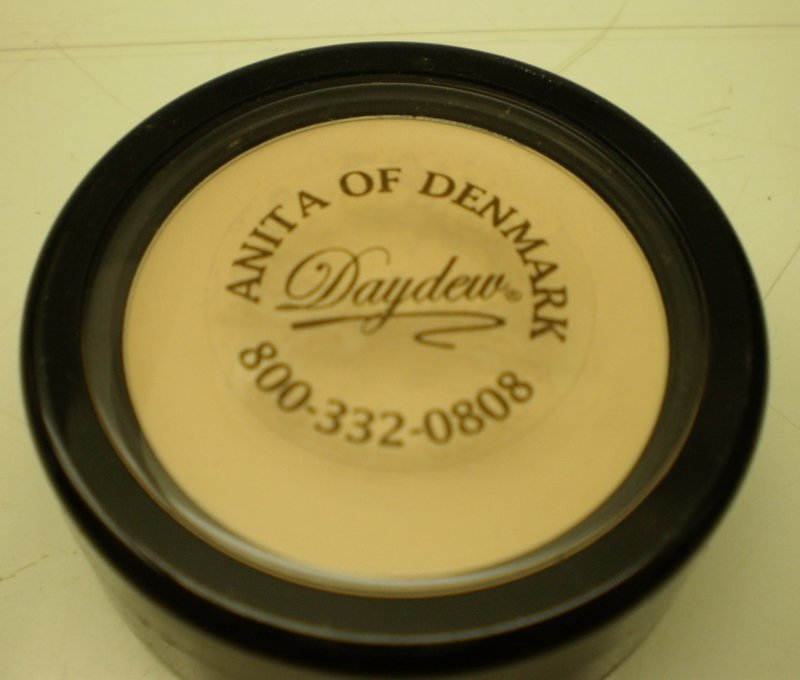 Image 0 of Daydew Touch And Cover Concealers Light