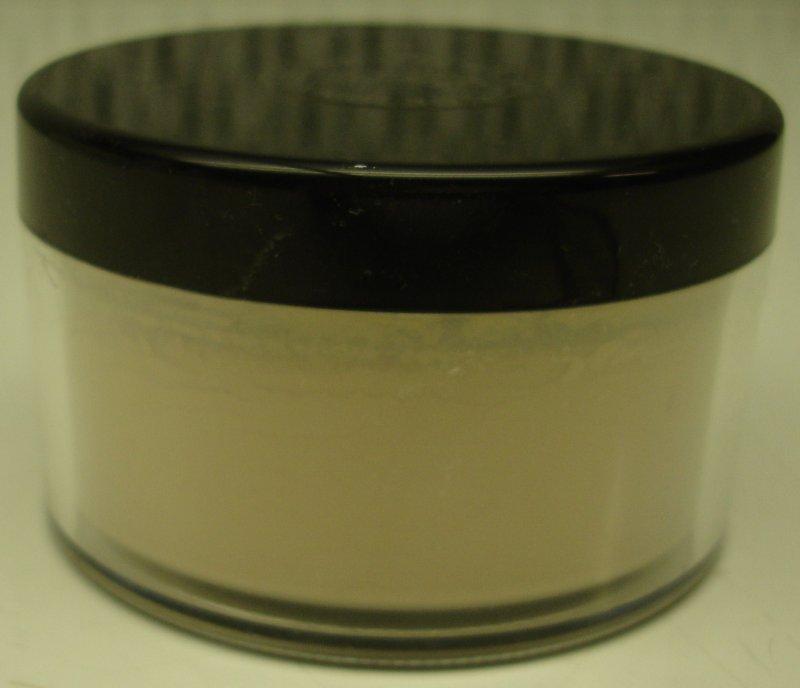 Daydew Translucent Loose Powder 1.5oz (Shade: Honey Beige)