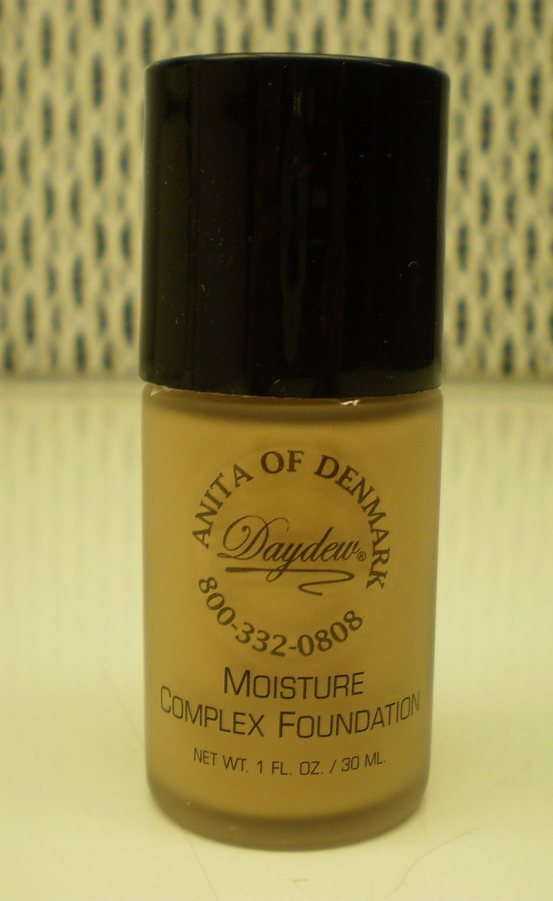 Daydew Custom Blend Moisture Complex Foundation Makeup Buff 1 oz