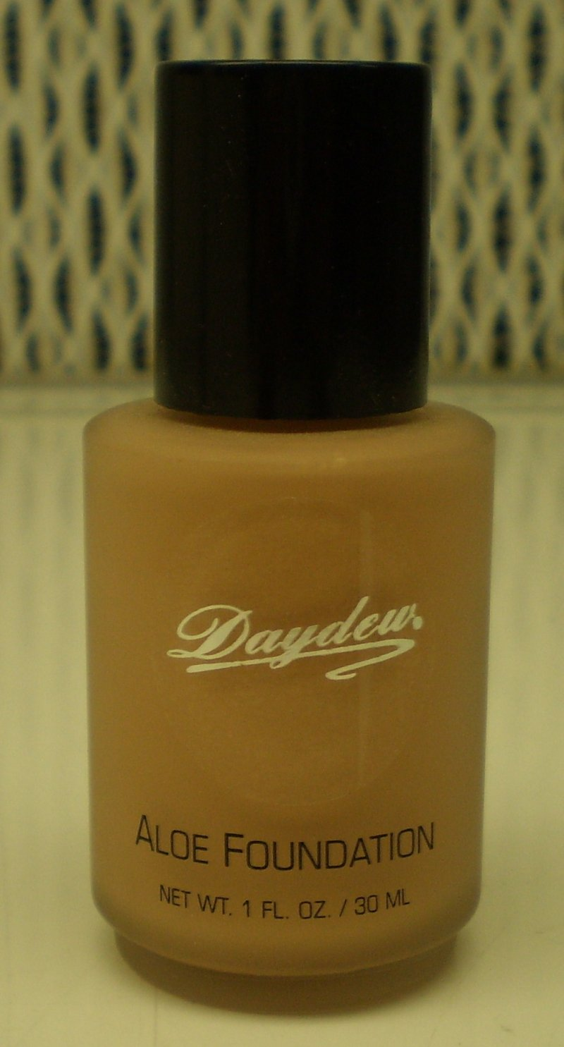 Daydew Custom Blend Makeup With Aloe Oil Free Peachy Beige 1 oz
