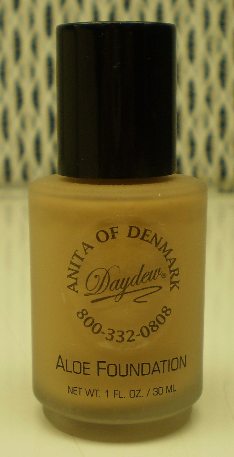 Image 0 of Daydew Custom Blend Makeup With Aloe Oil Free Neutral Tan 1oz