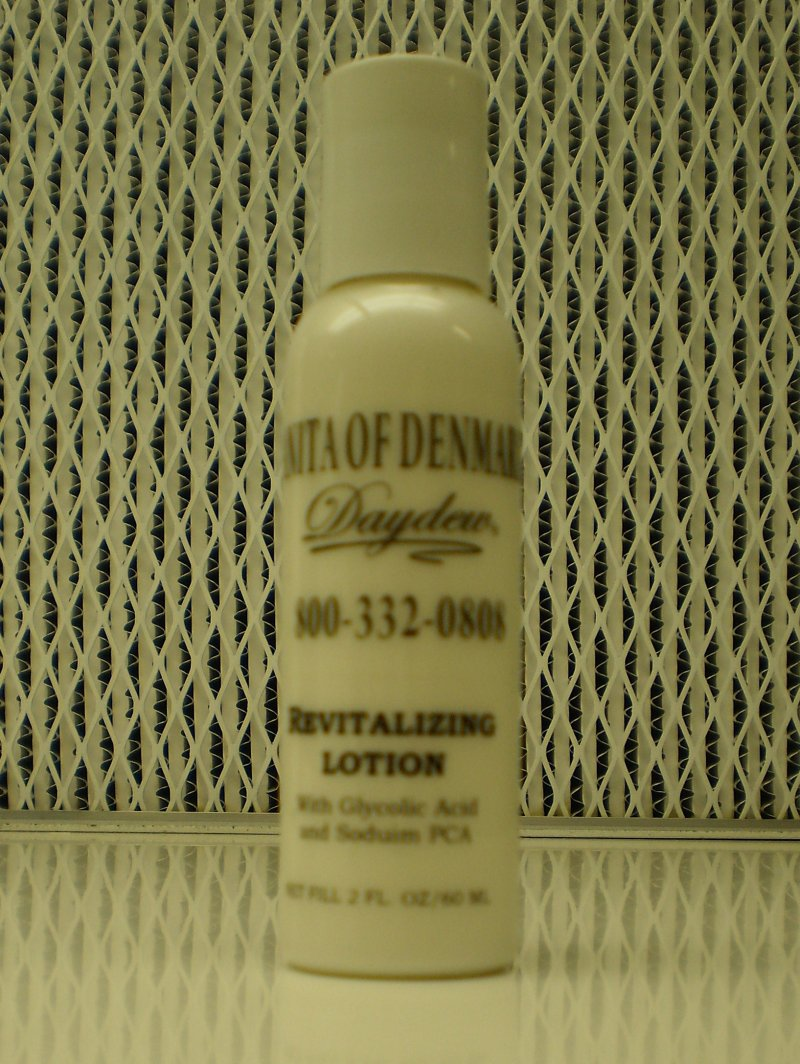 Anita Of Denmark Revitalizing Lotion With Glycolic Acid & Sodium PCA 2oz 60ml