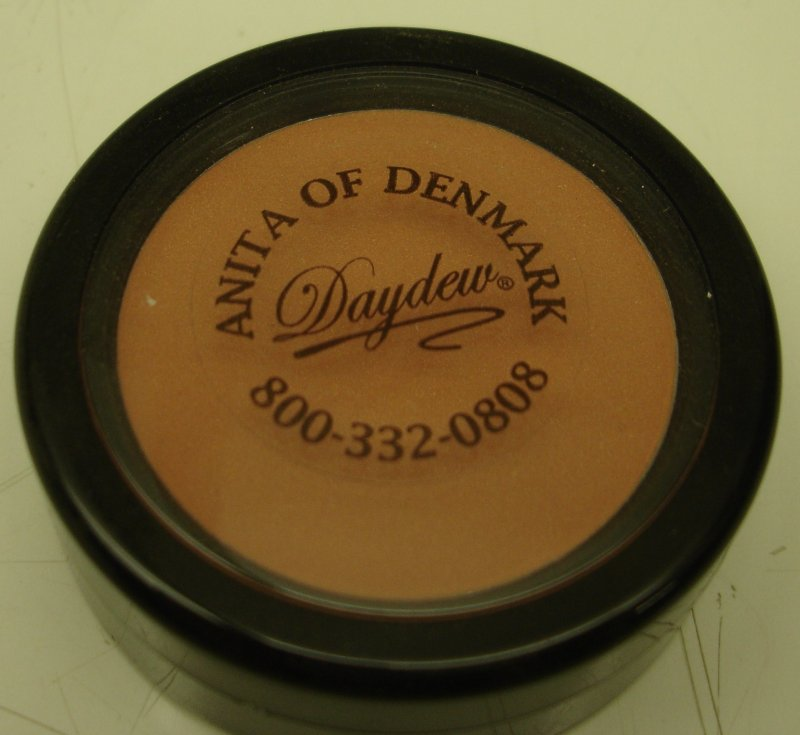 Daydew 3 In One For Lip  Eyes And Cheeks  Shade  Peach