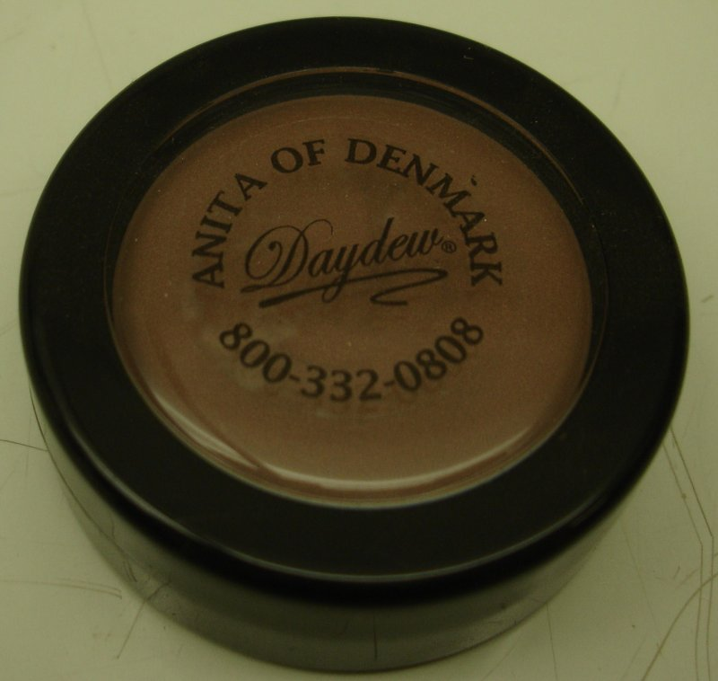 Daydew 3 In One For Lip  Eyes And Cheeks  Shade  Peach Beige