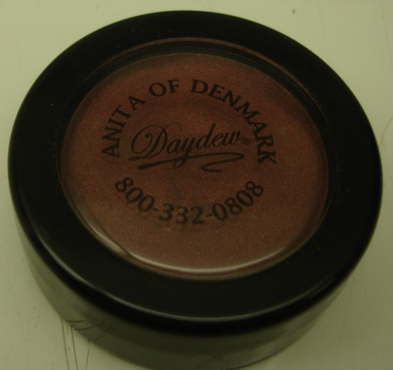 Daydew 3 In One For Lip Eyes And Cheeks (Shade: Crimson)