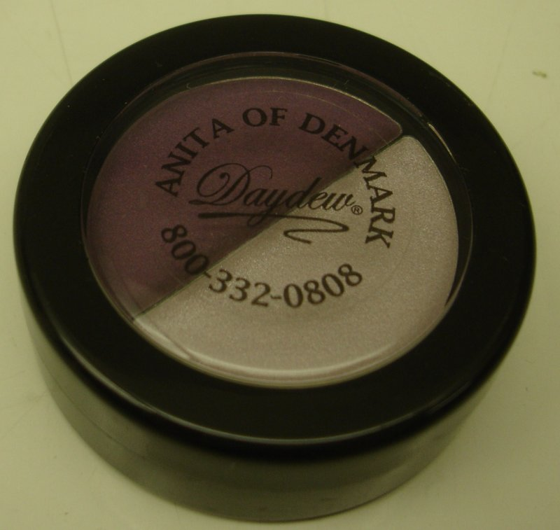 Daydew 3 In One For Lip  Eyes And Cheeks  Shade  Purple Rage Duo