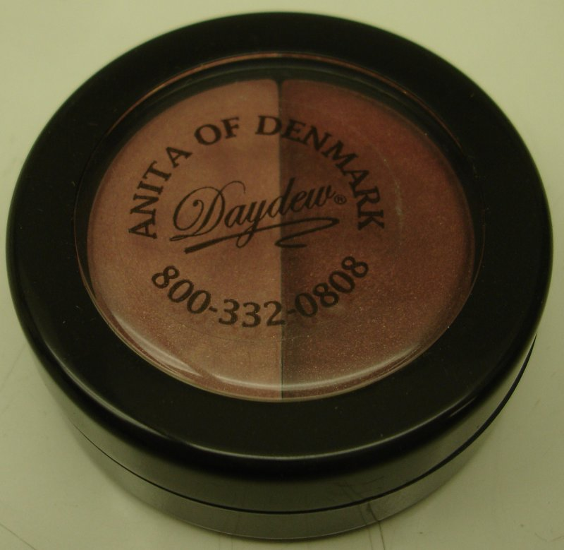 Daydew 3 In One For Lip Eyes And Cheeks (Shade: Glamour Girl Duo)