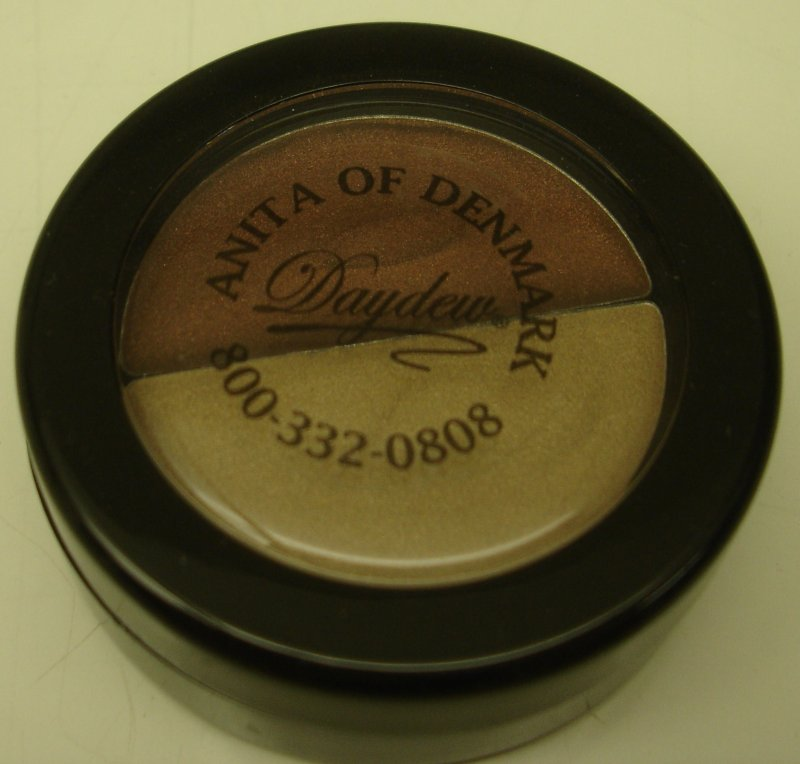 Daydew 3 In One For Lip Eyes And Cheeks (Shade: Cocoa Kiss Duo)