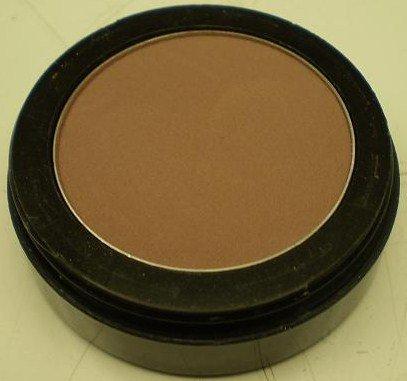 Image 0 of Daydew Matte Eye Shadow Medium Brown