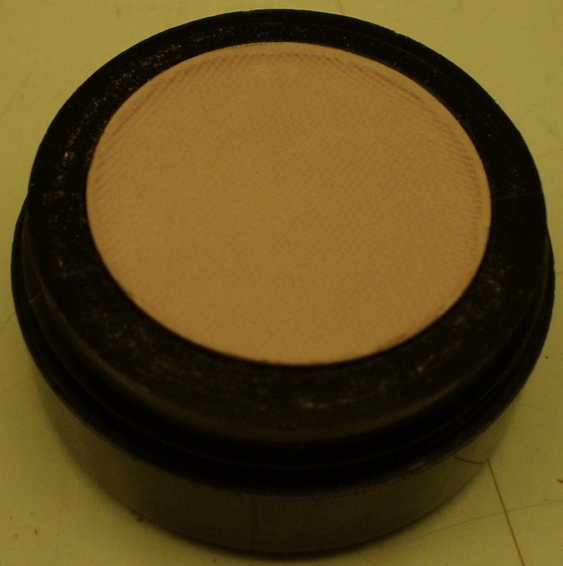 Daydew Matte Eye Shadow Soft Pink