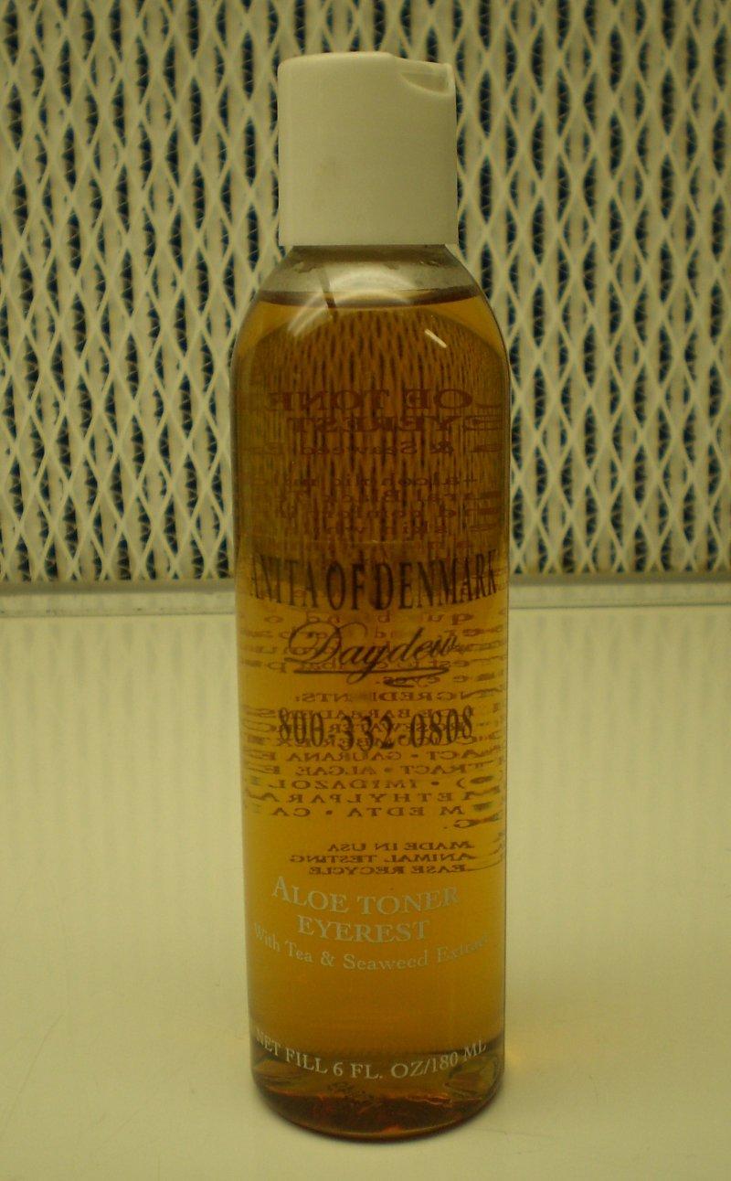 Daydew Aloe Toner Eye Rest With Tea & Seaweed Extract 6 oz   180 ml
