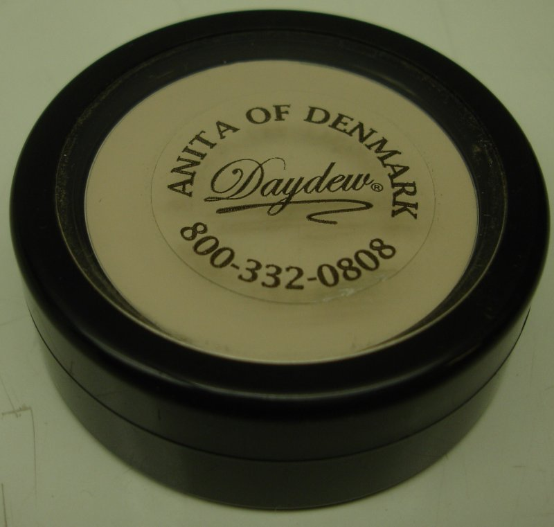 Image 0 of Daydew Eyeshadow Primer