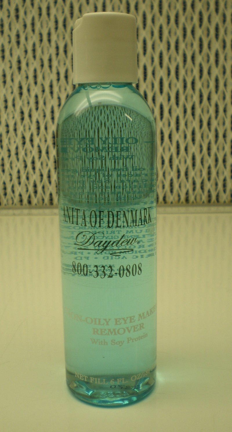 Image 0 of Daydew Non-Oily Eye Makeup Remover 6oz / 180ml