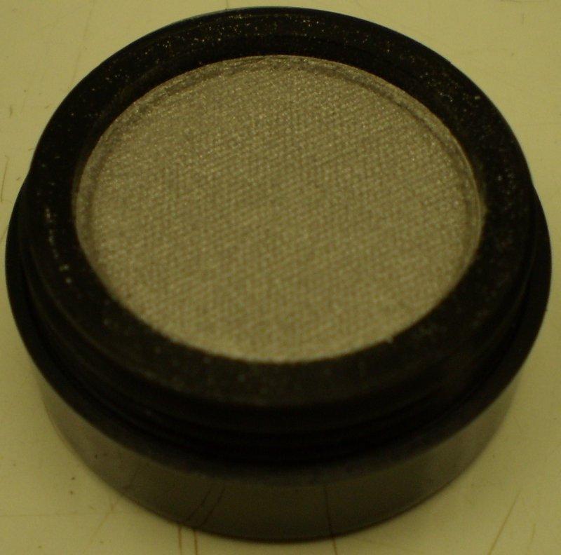 Daydew Cake Eyeliner (Shade: Silver)