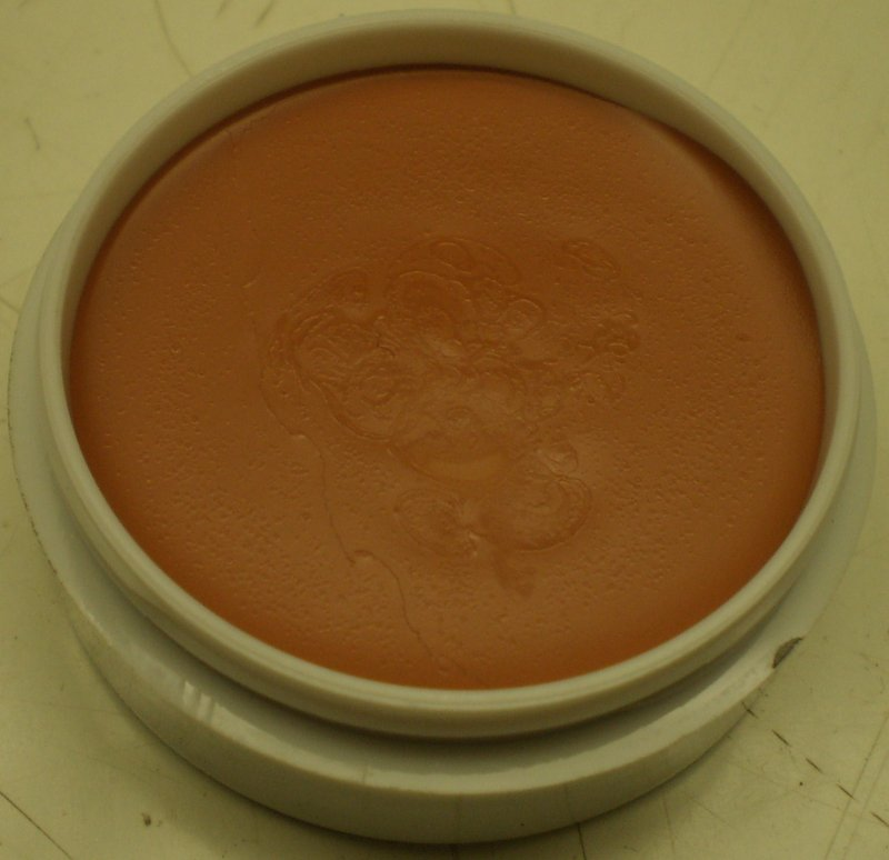 Image 0 of Daydew Silicone Foundation and Concealer Creme (Shade: Tan)