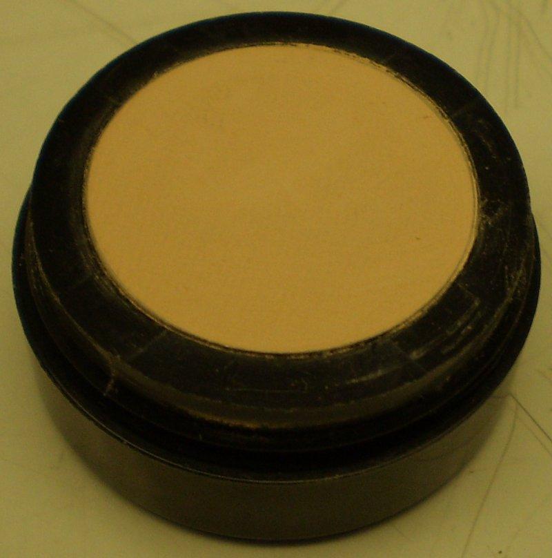 Image 0 of Daydew Matte Eye Shadow Bisque