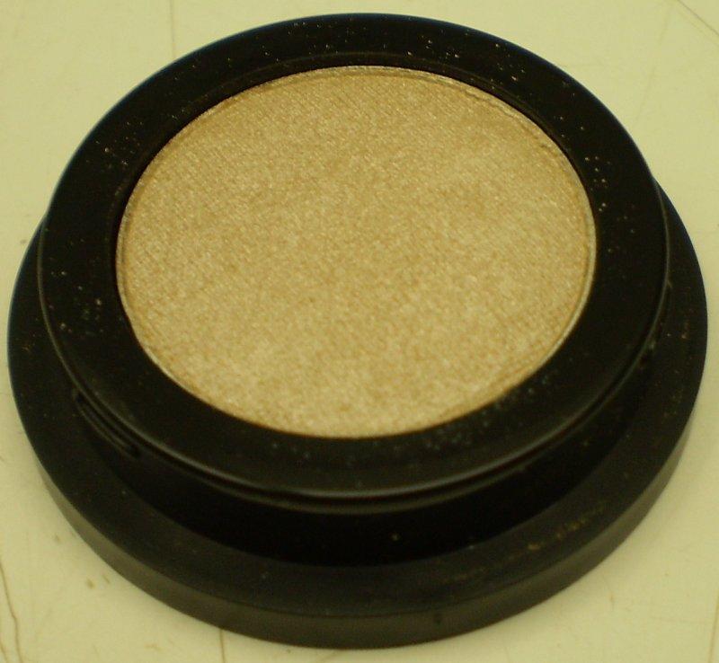 Image 0 of Daydew Mineral Eyeshadow (Shade: Sandstone)