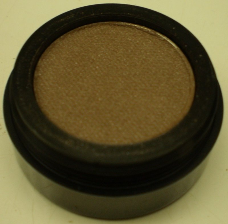 Image 0 of Daydew Pearl Eyeshadow (Shade: Misty Brown)