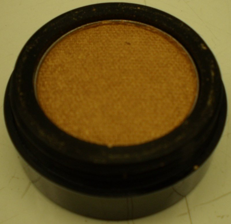 Daydew Chromatome Eyeshadow (Shade: Golden Bronze)