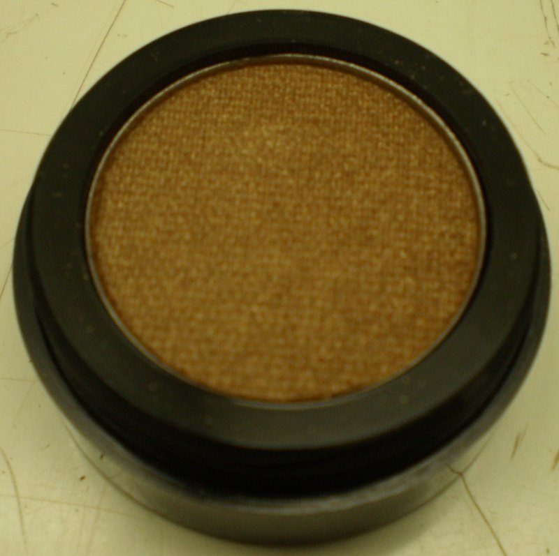 Image 0 of Daydew Ultra Pearl Eyeshadow (Shade: Topaz)
