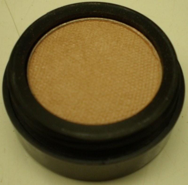 Image 0 of Daydew Ultra Pearl Eyeshadow (Shade: Soft Beige)