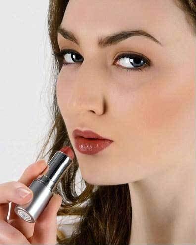 Image 0 of Lipstick Tru Nat Risque 1x.13  oz Each by HONEYBEE GARDENS