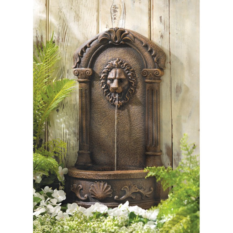European Design Lion's Head Courtyard Outdoor Fountain