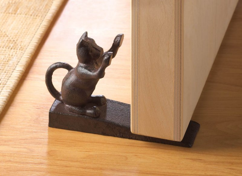 Cast Iron Scratching Cat Door Stopper