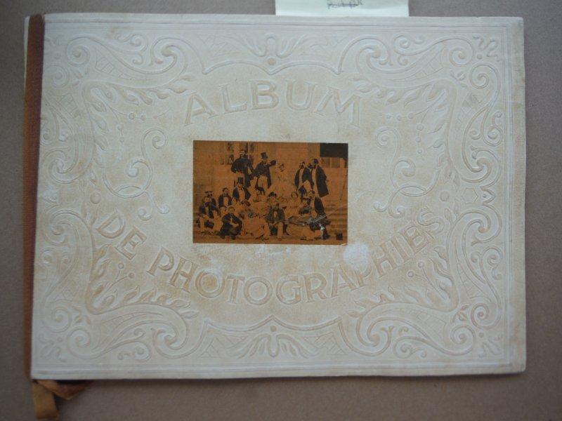 Dans l'intimite de personnages illustres. 1845-1890. premier album.