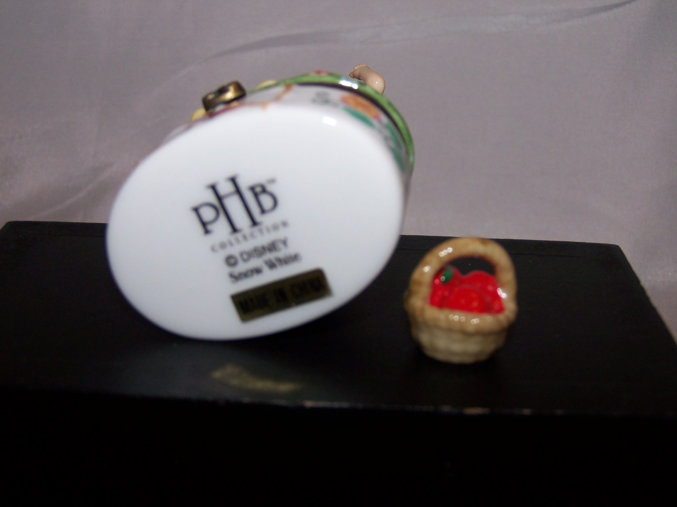 Image 4 of PHB Snow White Trinket Box with Basket of Apples