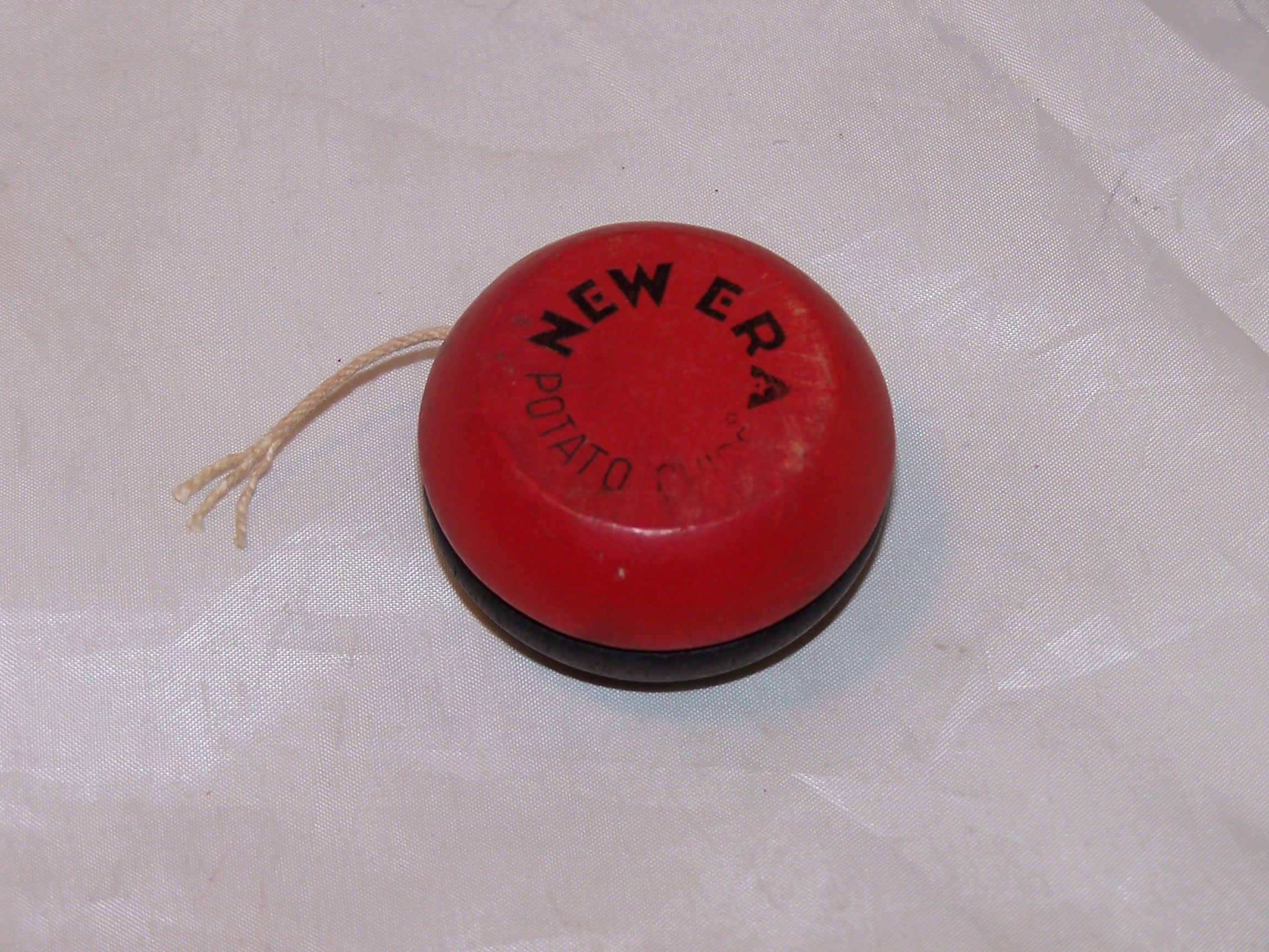 New Era Potato Chip Yoyo Yo-Yo, Red, Black, Wood, Duncan