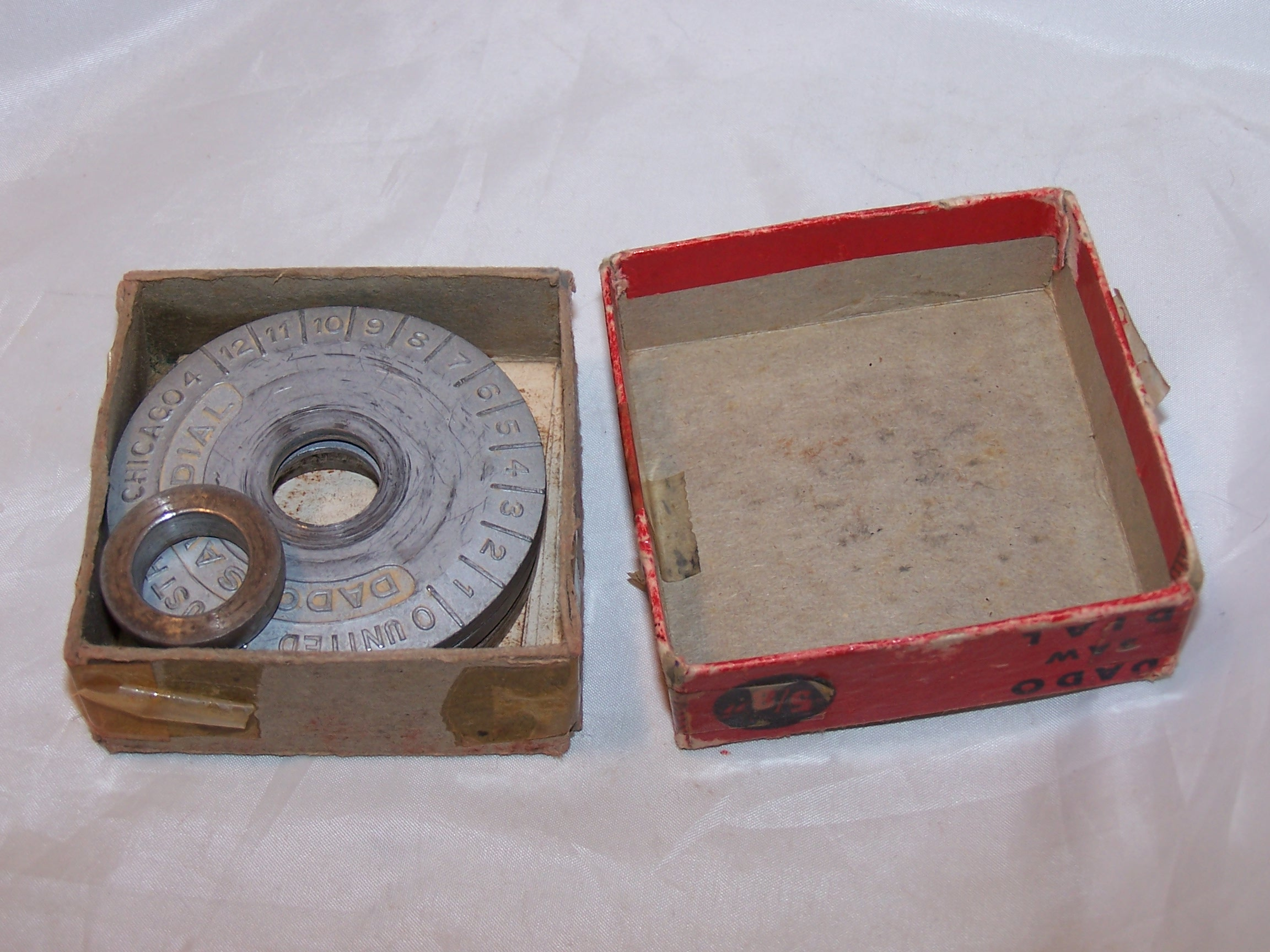 Image 1 of Dado Saw Dial, Vintage, United Industries Inc, Chicago