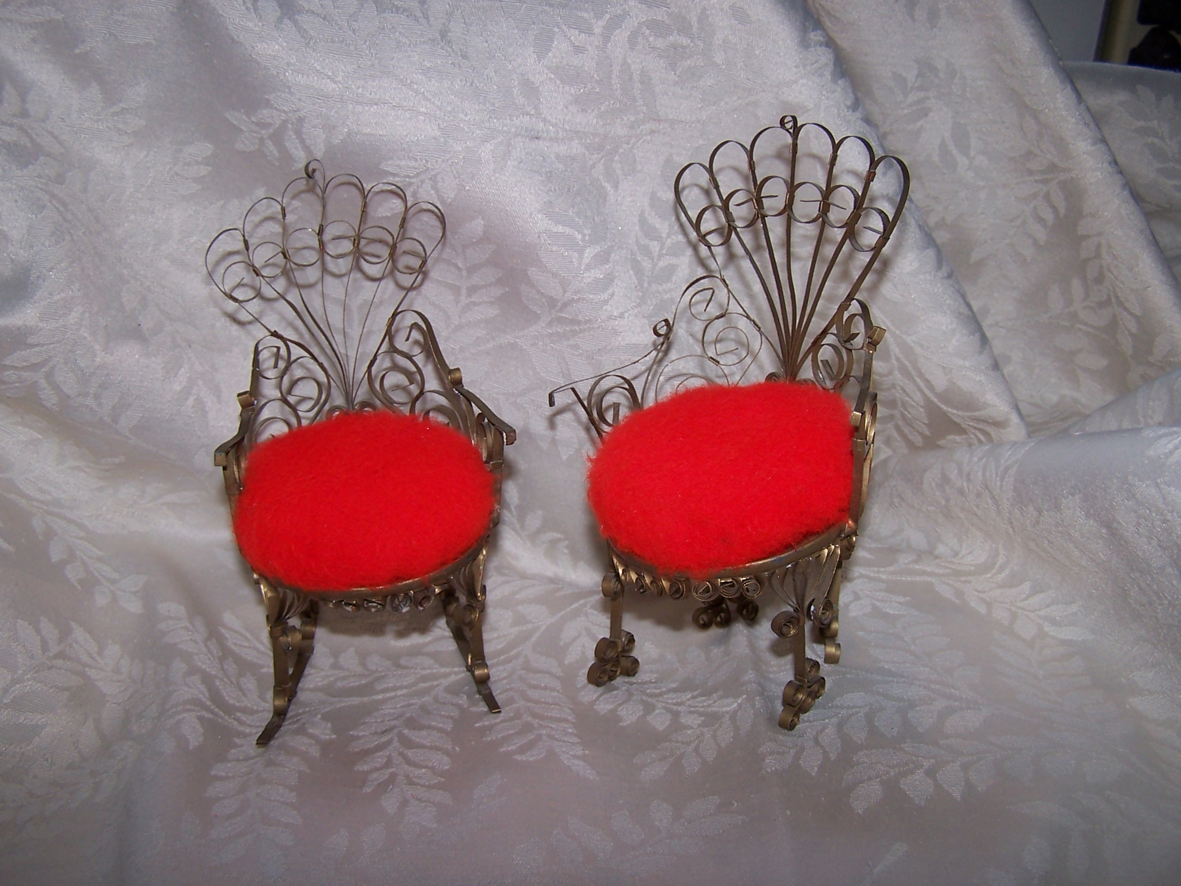 Quilled Pin Cushion Chair, Rocking Chair, Fuzzy Red, Gold