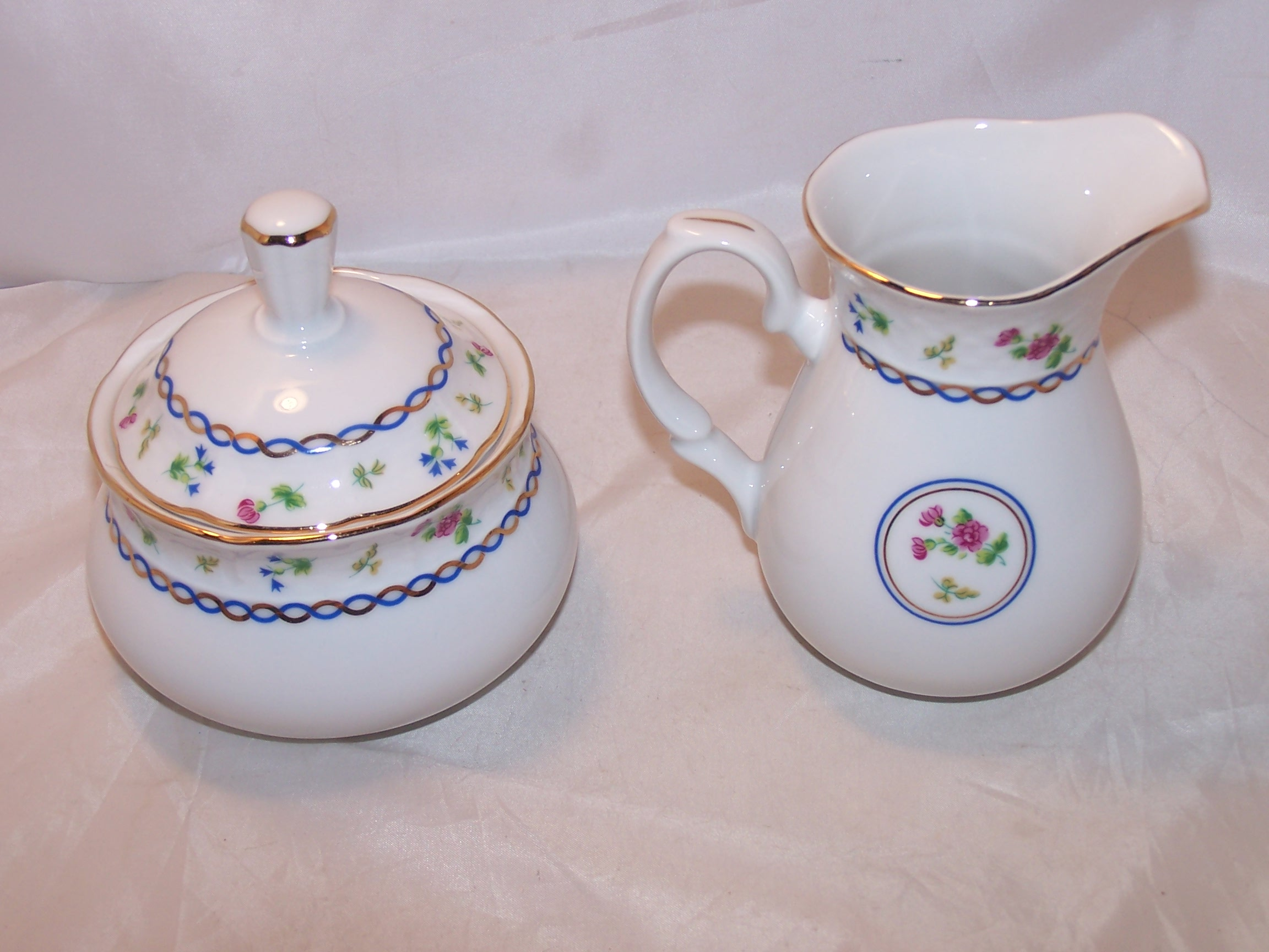 Image 2 of Baum Bros Thun Porcelain Creamer and Sugar, Czechoslovakia
