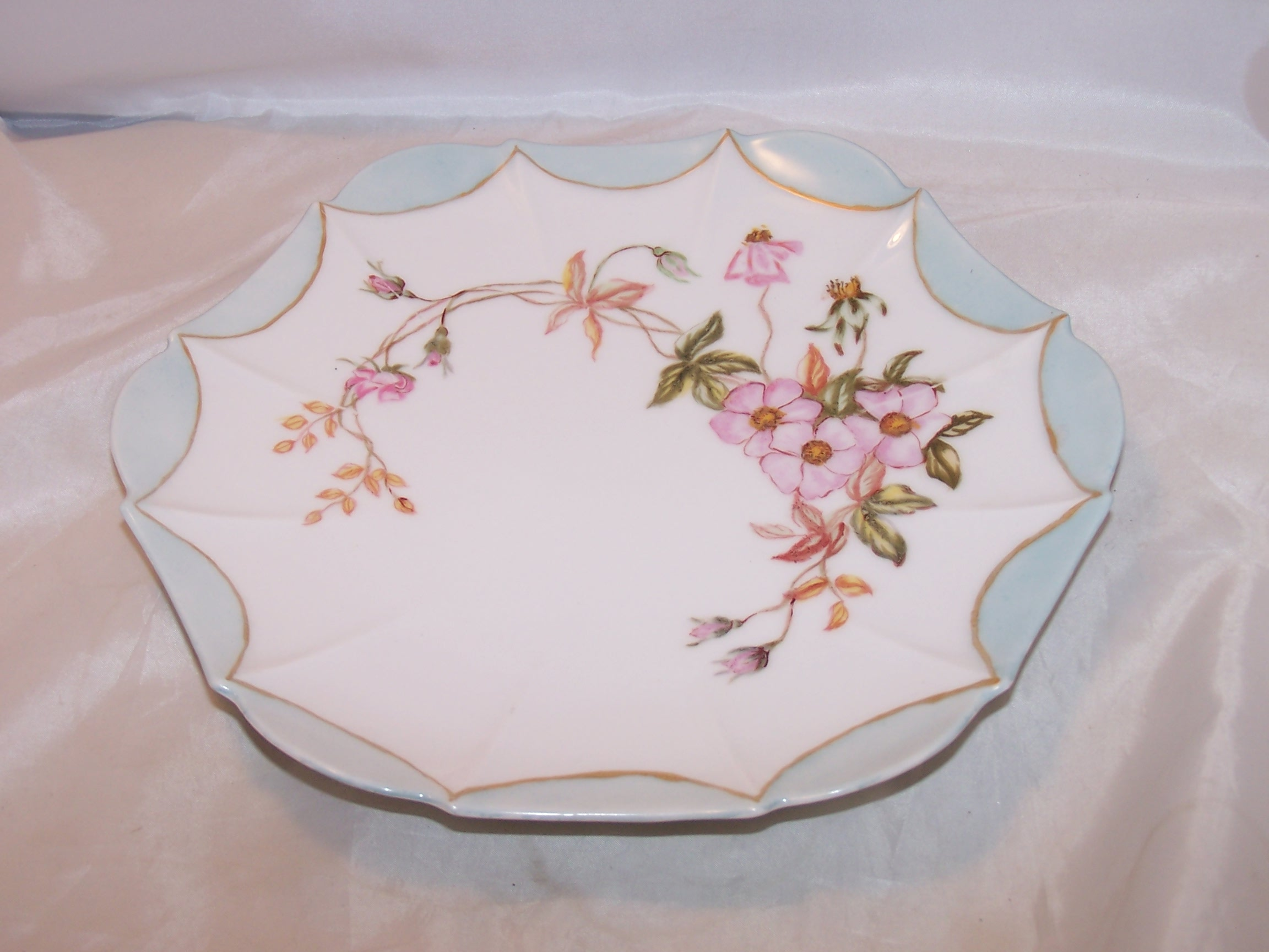 T&V Tressemanes & Vogt Climbing Rose Plate, Artist Signed, France