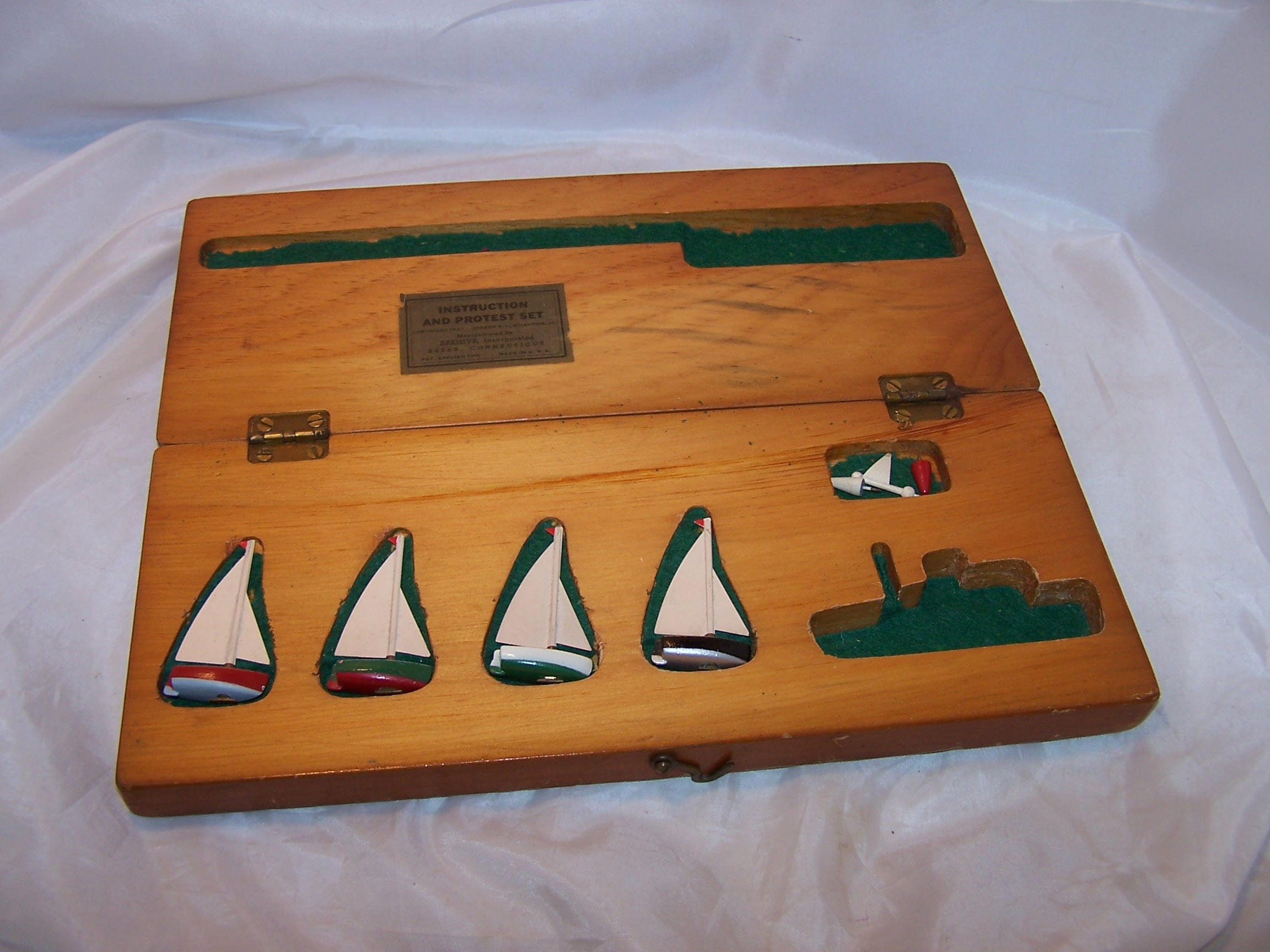 1947 Boat Racing Protest Set
