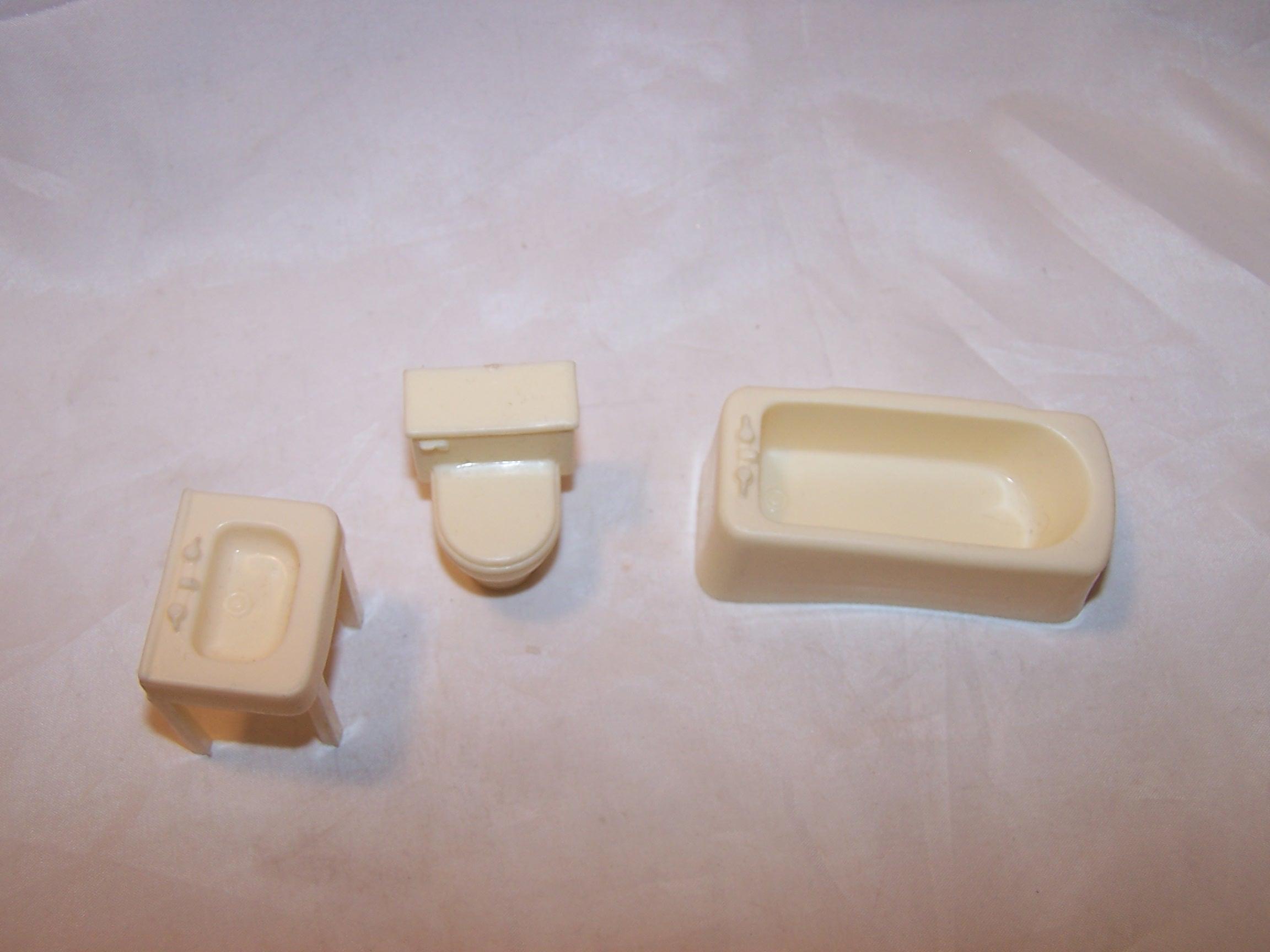 Image 1 of Dollhouse Bathroom Fixtures, Plastic, Vintage