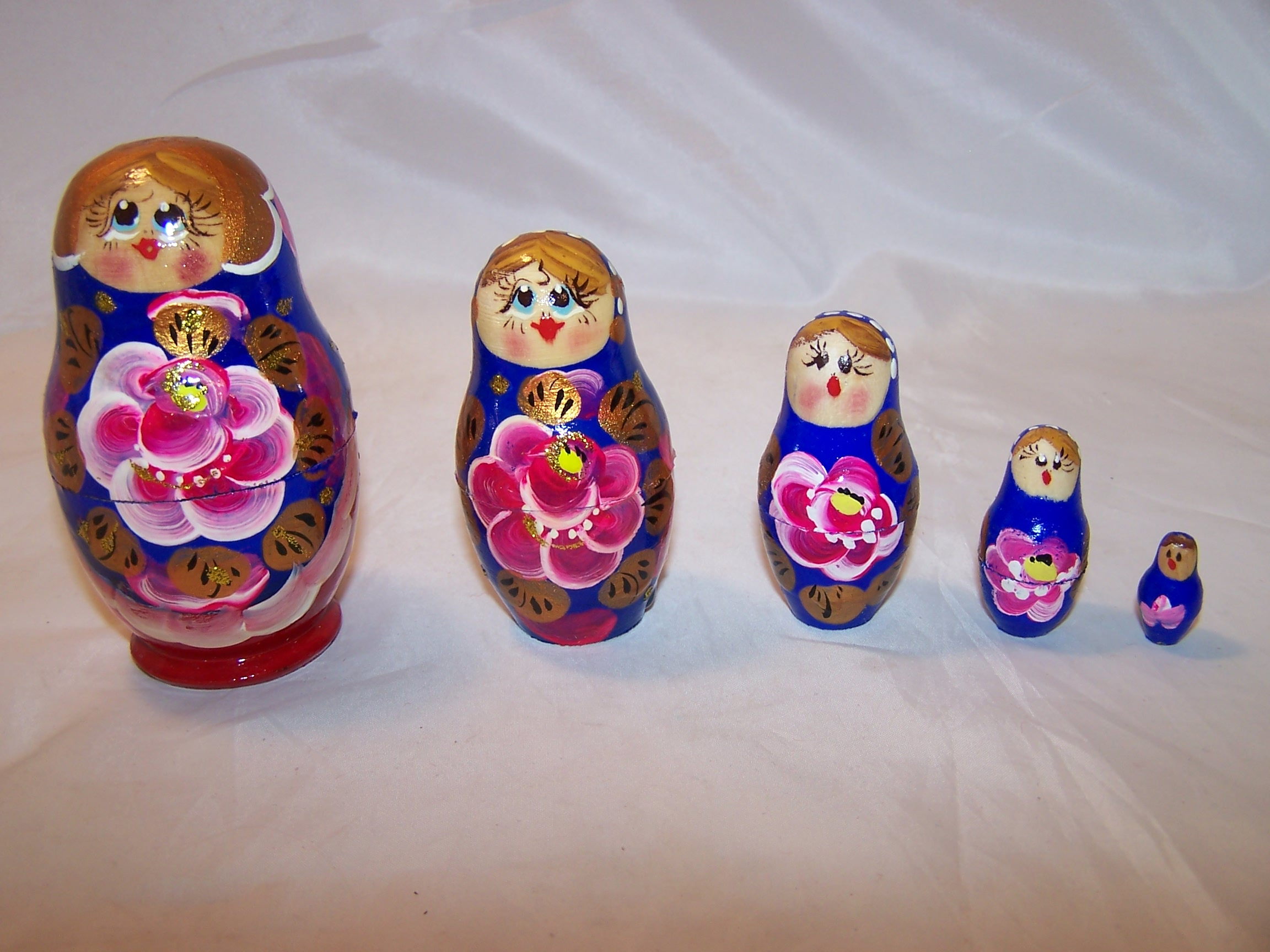 Nesting Doll in Blue, Gold, Pink, 5 Levels, Wood