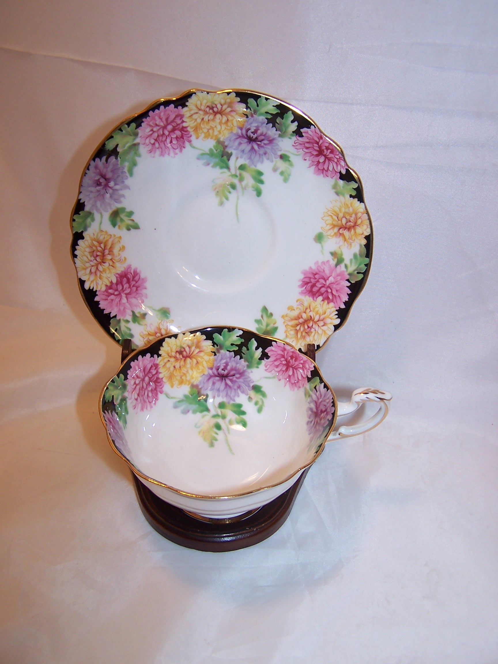 Teacup, Saucer, Paragon Mums Pattern, England
